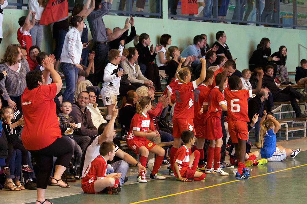 La joie de joueurs et supporters d'USR Futsal